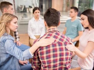 GROUP COUNSELING & THERAPY
